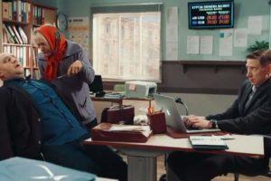 Бабуля-уголовница пришла в банк за деньгами. Лежу от смеха!